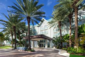 Cayman Islands Marathon Accommodations