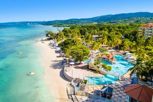 Jewel Dunns River Beach Resort & Spa