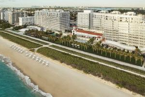 Four Seasons Hotel at The Surf Club, Surfside