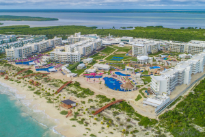Planet Hollywood Beach Resort - All Suites, Cancun